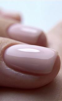 Close-up van roze gelakte nagels